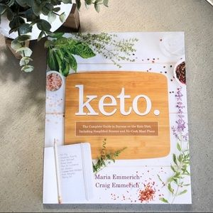 KETO softcover book/Maria Emmerich /Diet/health